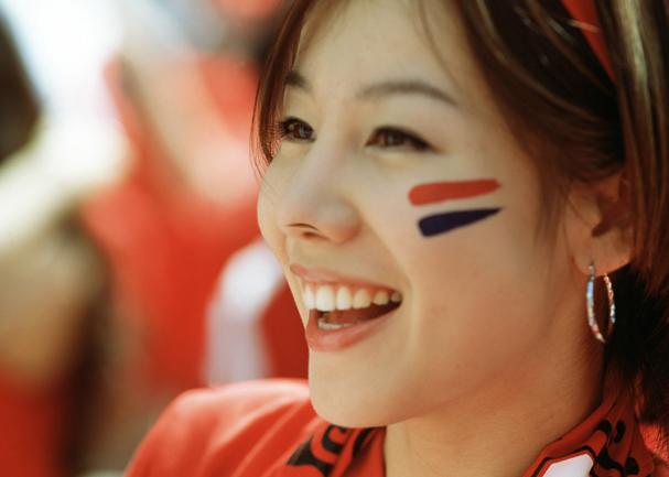 女性 サッカー サポーター